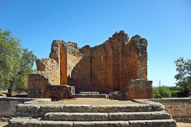 After renting a bike in Faro you can ride to Milreu Roman Ruins