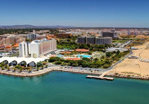Beautiful beaches and landscape, where you can rent and ride a bike in Vilamoura